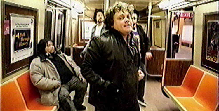 Video : Subway Etiquette - Let People Off Before You Get On